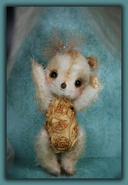 'Nina Goldbloom' a Rose Body Bear
